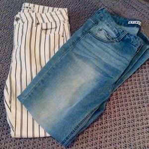 2 Pairs of Tinseltown Skinny Jeans